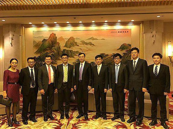 上海市领导会见拼多多黄铮,祝贺上海新经济代表上市